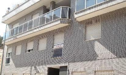 Viviendas y casas en venta en Ador