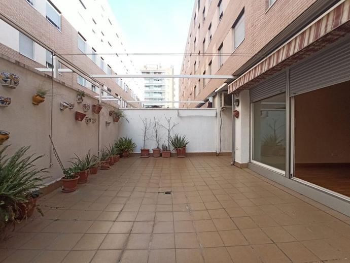 Foto 1 von Erdgeschoss zum verkauf in La Llagosta, Barcelona