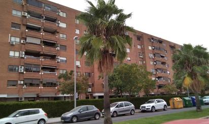 Homes and houses for sale at Metro Condequinto, Sevilla