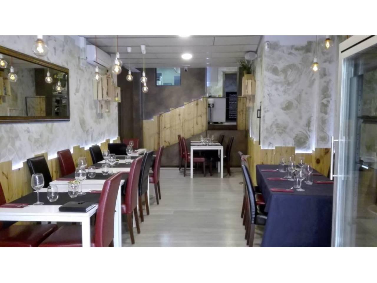 Traspaso Local Comercial  Calle moserol. Restaurante nuevo de 120 m2 en traspaso. comedor para 22 comens
