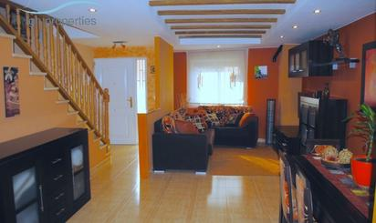 Casa adosada en venta en Centre - Zona Alta
