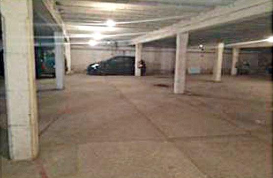 Car parking in Solsona. Garaje en venta en solsona (lleida) delta residencial calle pedr