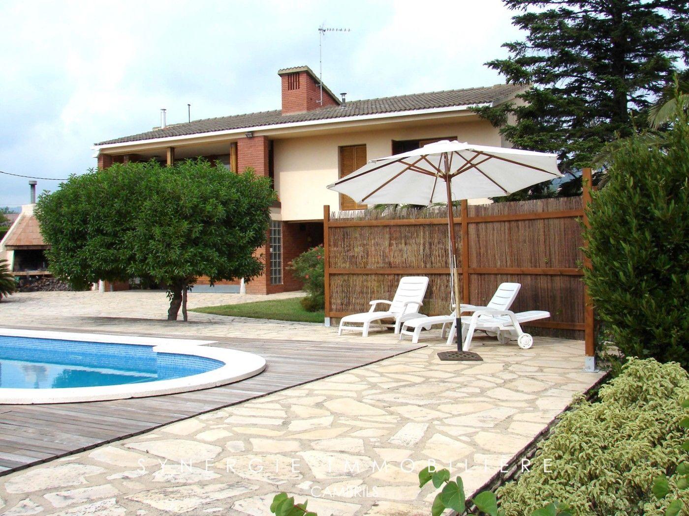 House  Carrer pou (del). Individual con piscina