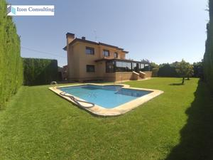 Chalets for rent to own with terrace at España