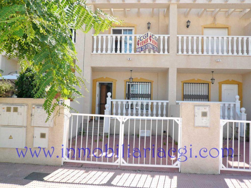 Casa adosada en Guardamar del Segura ,eden