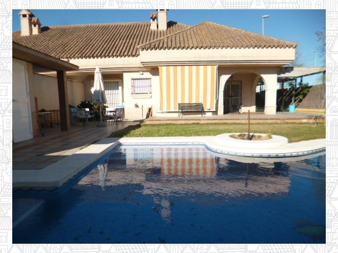 Casa adosada en jerez de la frontera en sur en jerez de la for Casas con piscina jerez de la frontera