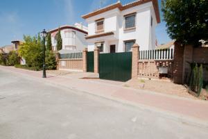 Chalet en Venta en Urb. 'el Torreón' , Albolote / Albolote