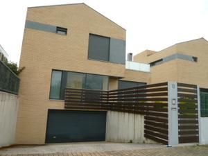 Casa adosada en Alquiler en Navarra - Egüés / Egüés