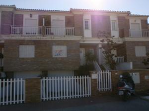 Casa adosada en Alquiler en Belicena / Vegas del Genil