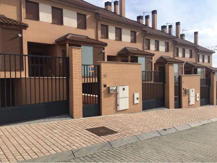 Casa adosada en arroyomolinos madrid en zona bulevar y europa en calle reino unido 4 141278030 - Casa en arroyomolinos ...