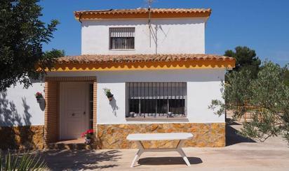 Viviendas y casas en venta con terraza en Olocau