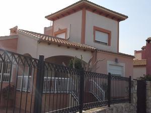 Chalets de alquiler con terraza en España