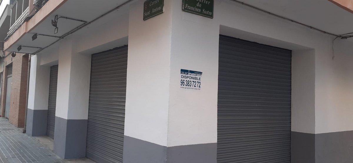 Location Local commercial  Mislata ,san antonio. Local comercial esquinero en san antonio