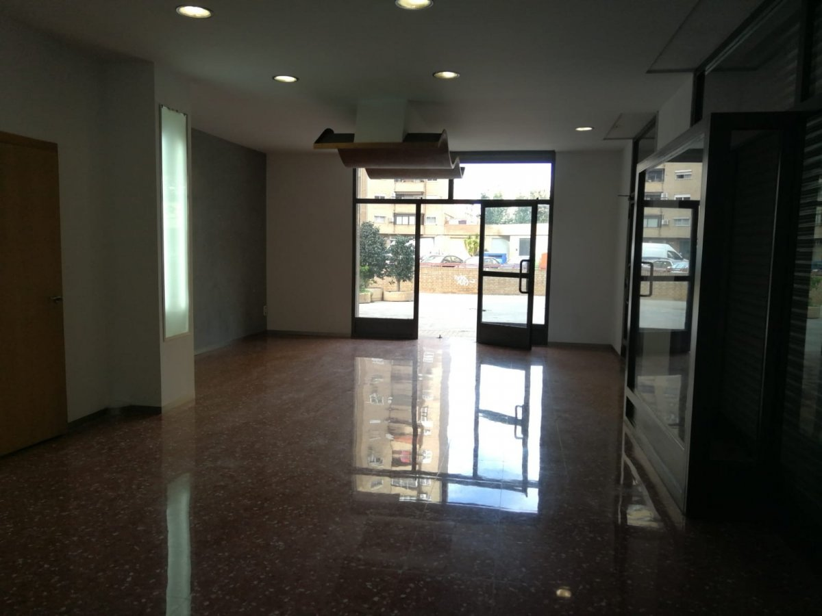 Affitto Locale commerciale  Xirivella ,barrio de la luz. Local comercial esquinero