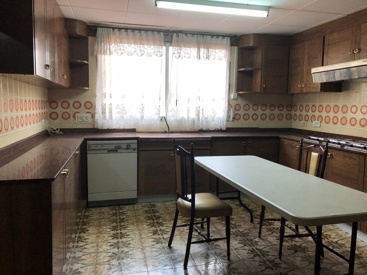 Alquiler Piso  Alaquas ,centro. Ideal familias numerosas con plaza de garaje
