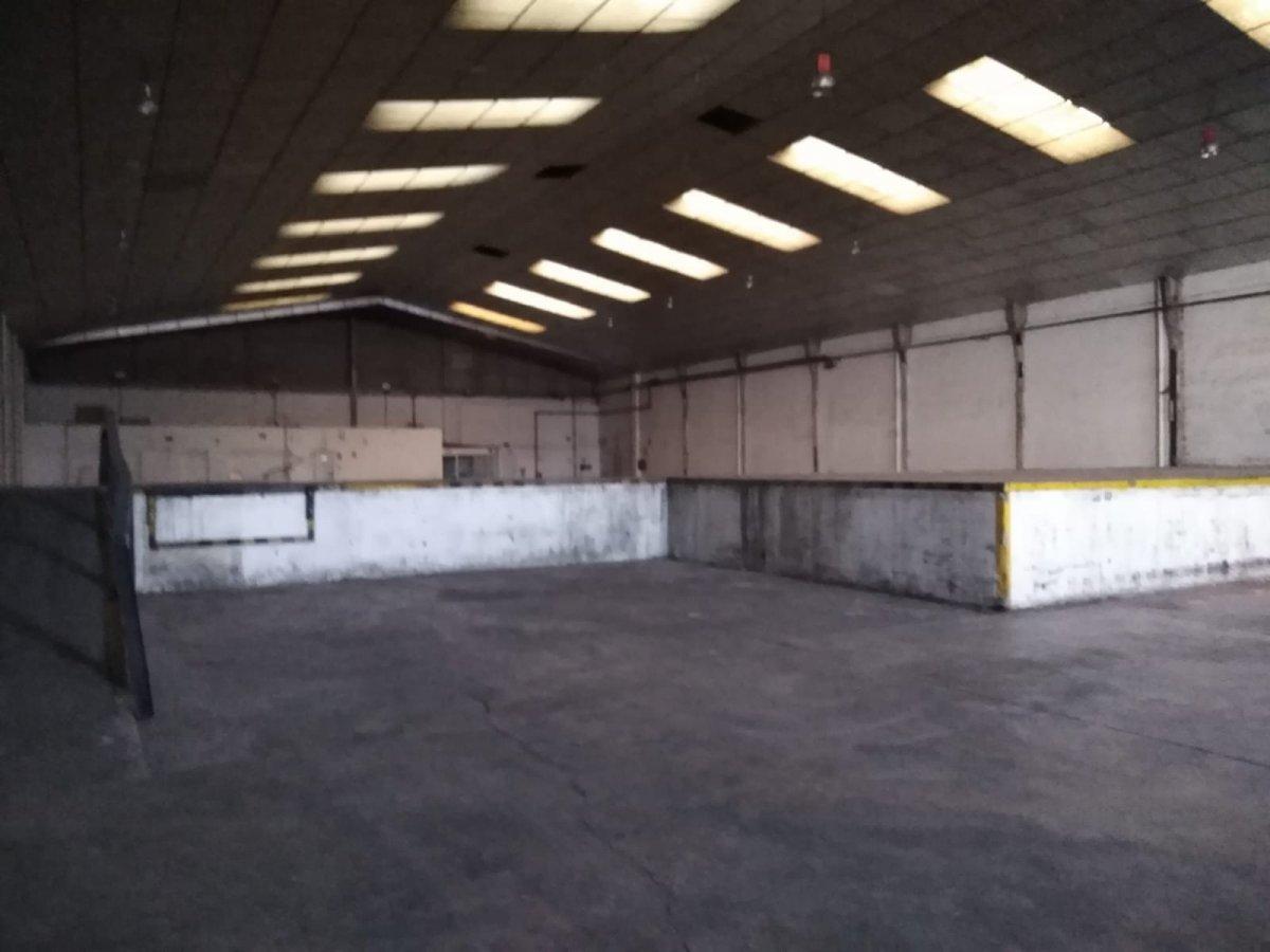 Rent Industrial building  Aldaia ,miguel hernandez. Nave  industrial 1840  mts con muelle de carga