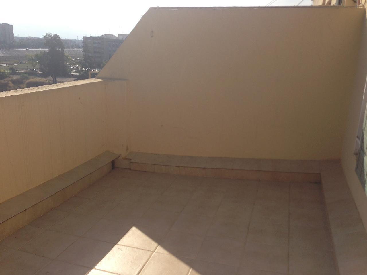 Location Appartement  Xirivella ,v30. Atico vacio frente lidl