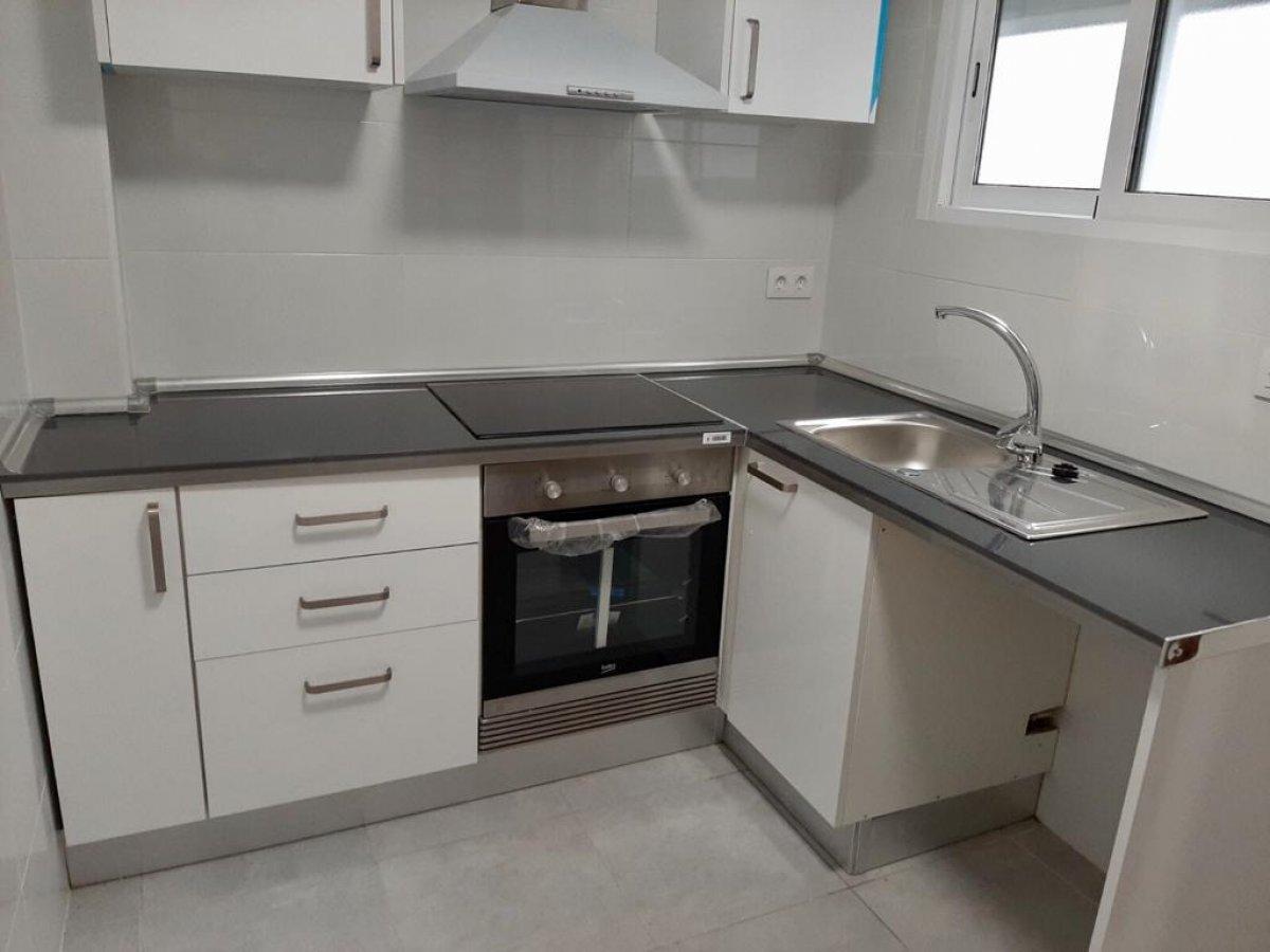Rent Flat  Alaquas ,alameda. Piso totalmente reformado de tres habitaciones