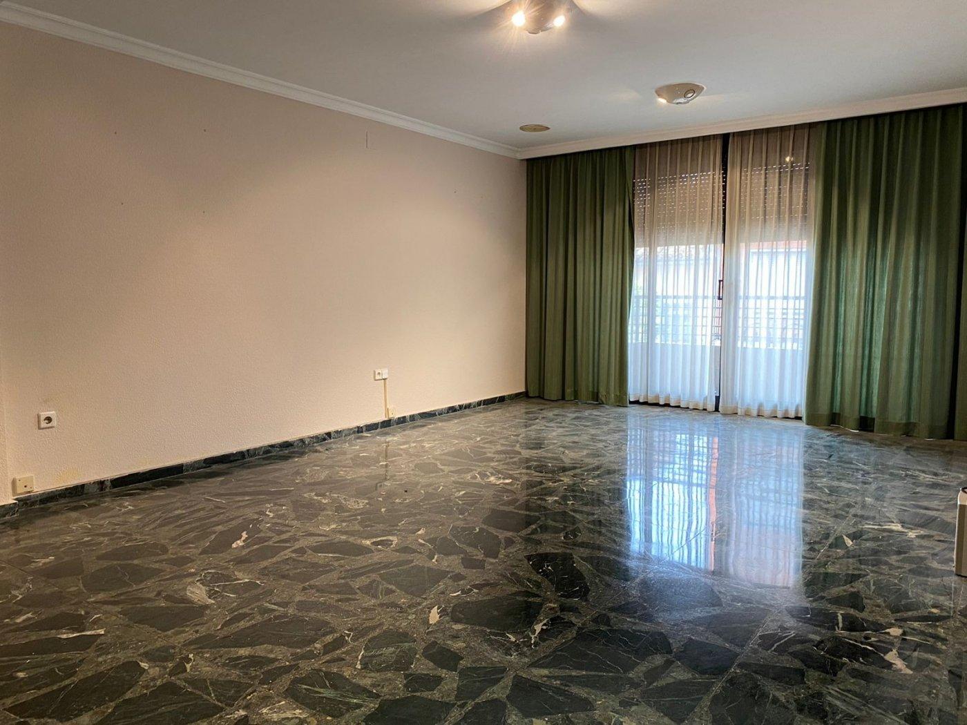 Miete Etagenwohnung  Aldaia ,centro. Espectacular piso en el centro de aldaia