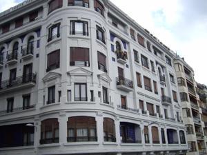 Venta Vivienda Piso gros,junto puente santa catalina, 160 m2. útiles
