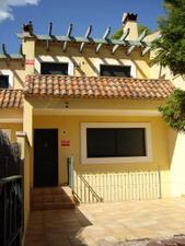Casa adosada en Venta en Las Delicias / Náquera