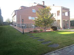 Chalet en Alquiler en Monterozas / El Cantizal