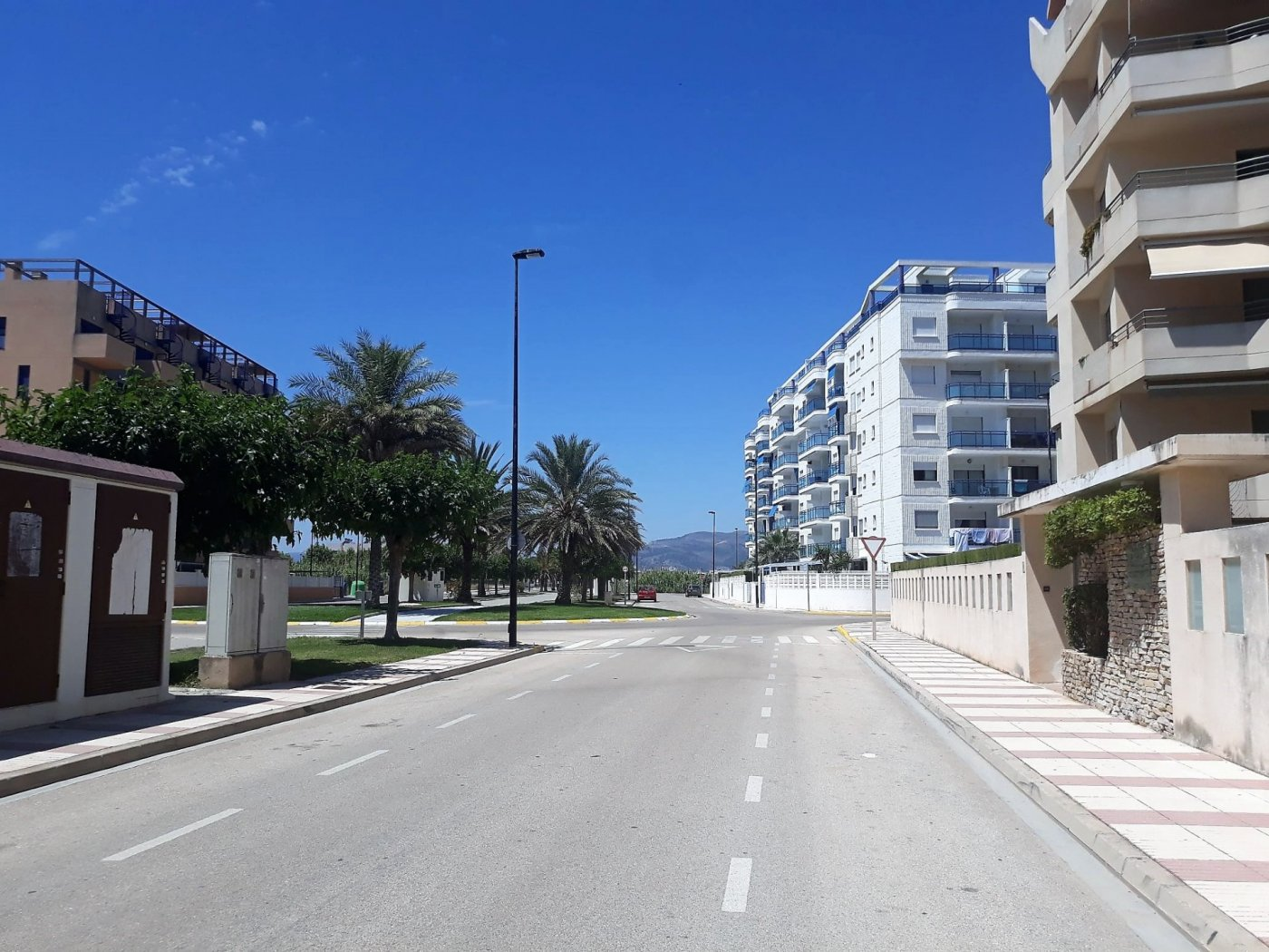 Aparcament cotxe  Avenida roger de lauria. Garaje en residencial san luis, playa de daimus