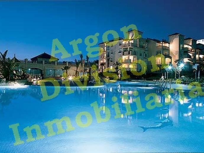 Foto 1 de Piso en Marbella Este, 193 Elviria