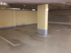 Garage spaces for sale with private surveillance at España