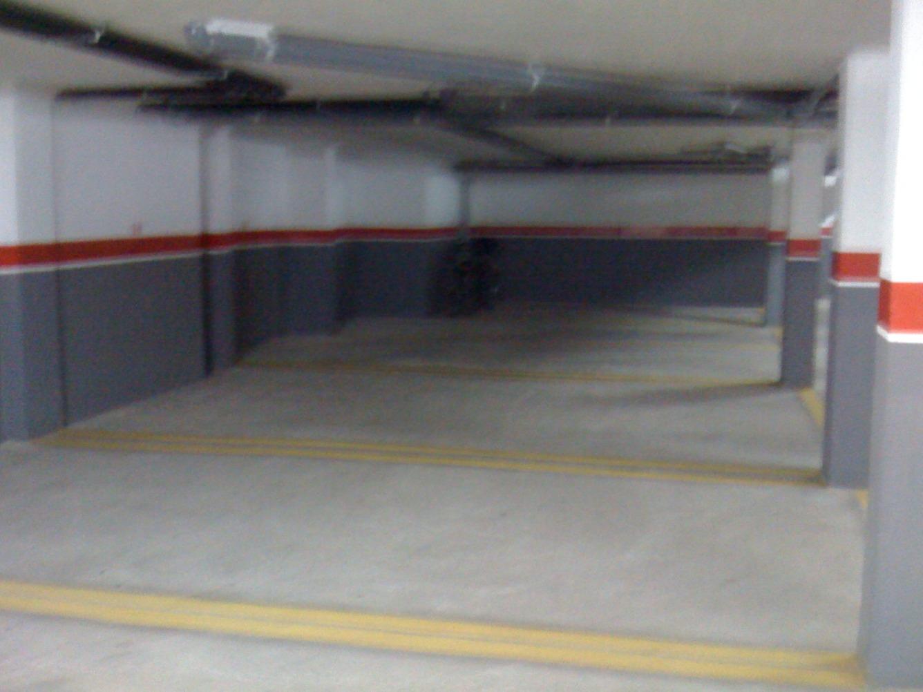 Alquiler Parking coche  Calle villazon. Parking con excelente maniobrabilidad para su vehiculo en pozo e