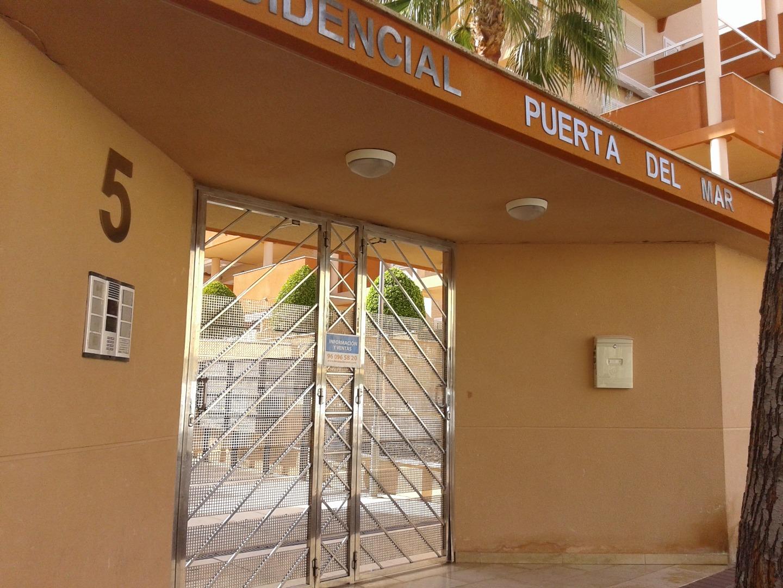 Aparcament cotxe  Calle jose segrelles, 5. Plaza amplia, fácil maniobrabilidad