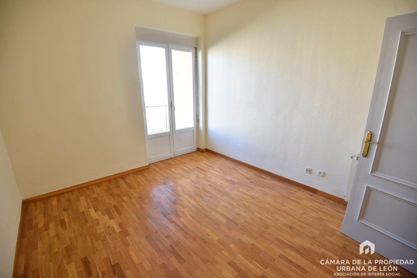 Alquiler Piso  San andres. Piso en alquiler en león, con 70 m2 y 3 habitaciones y 1 baños.