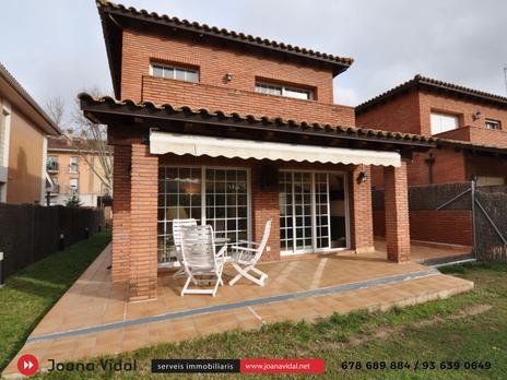 Casas adosadas en venta en Barcelona Provincia