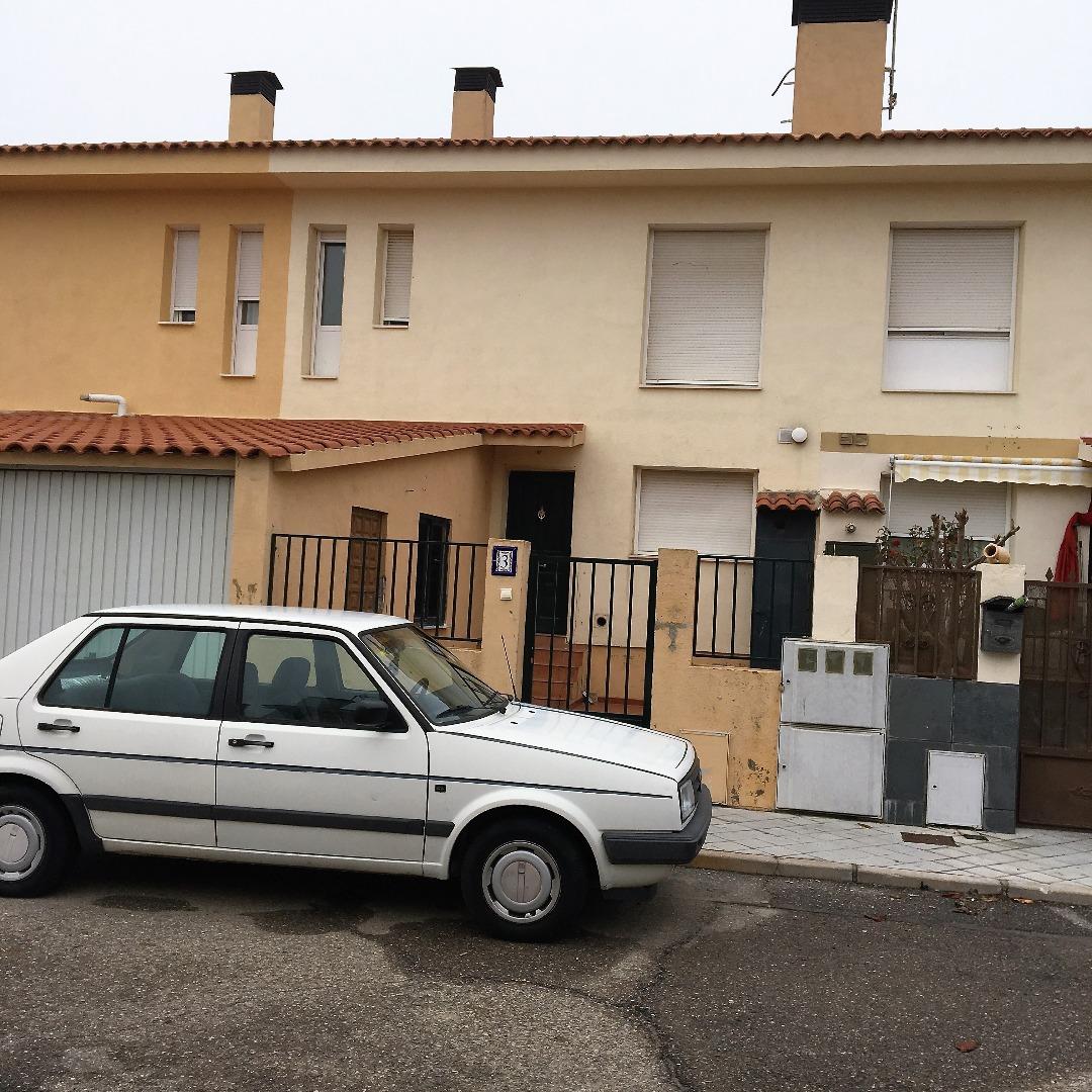 Chalet adosado en Calle VEGUILLA