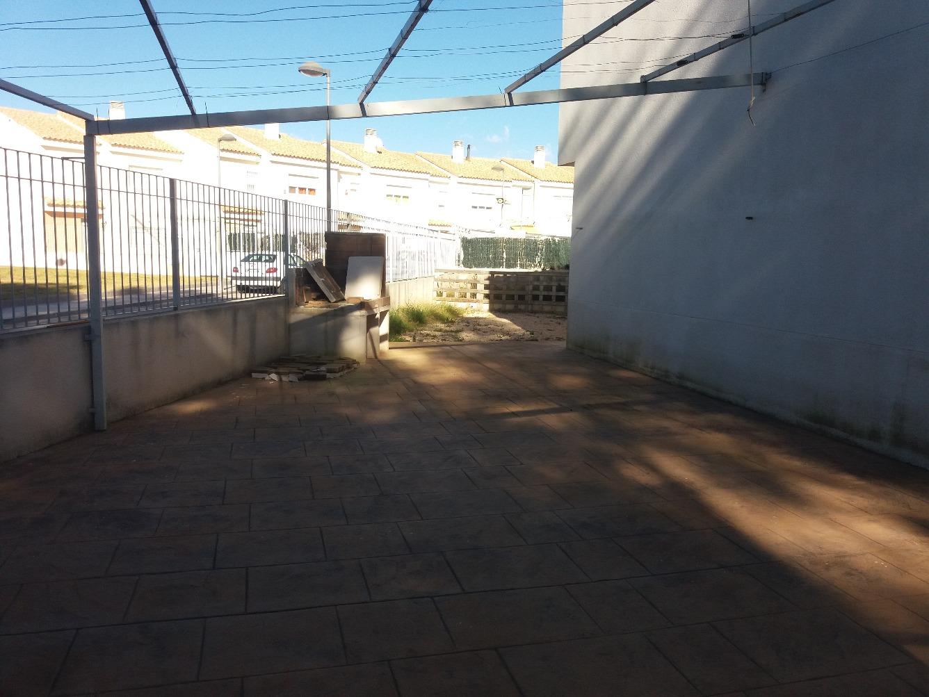 Chalet adosado en Calle blas de serrano contelar
