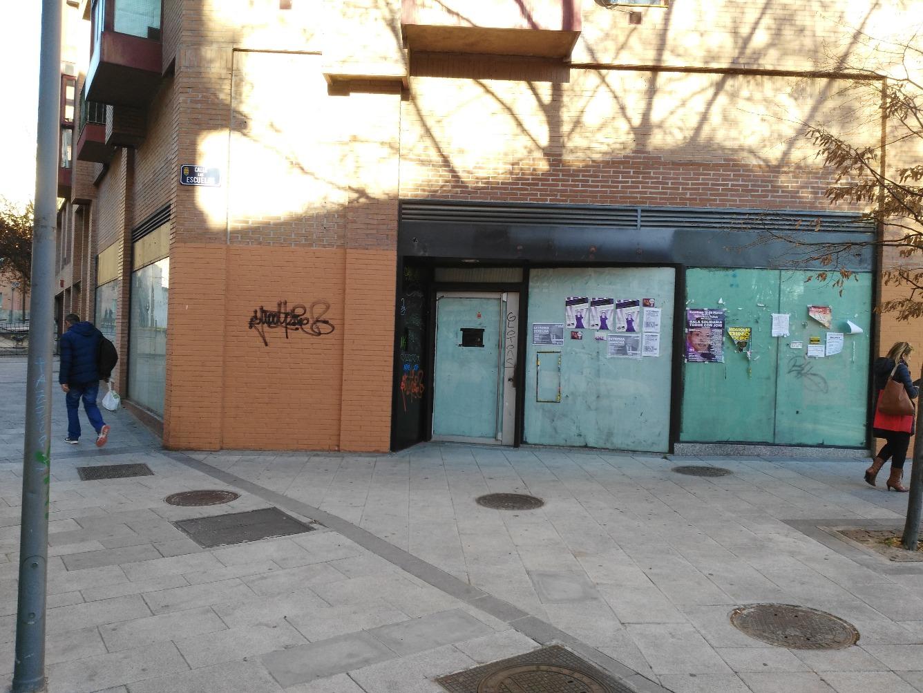 Local en Calle ESCUELAS