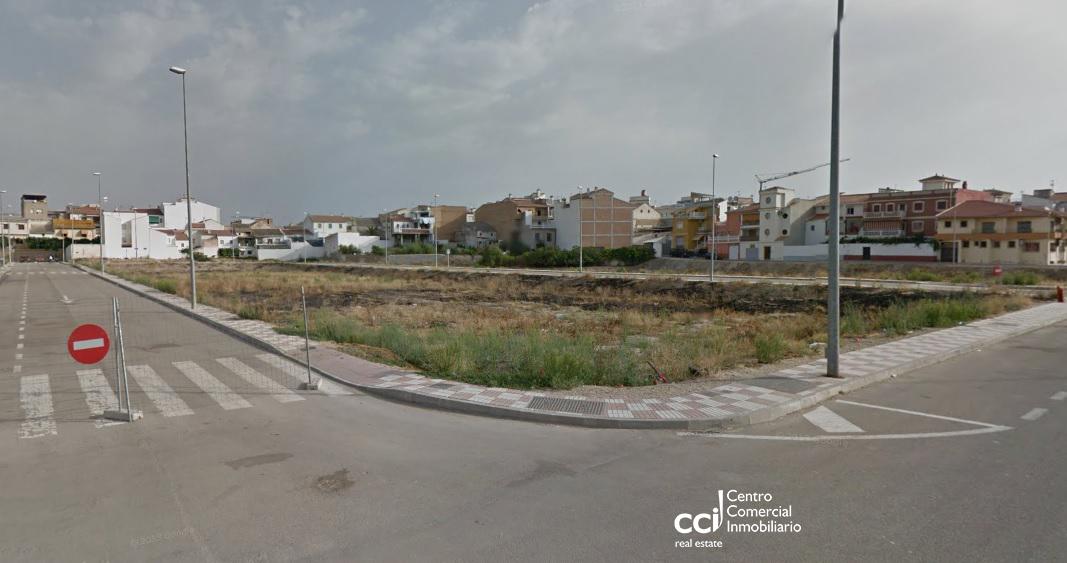 Suelo - Urbanizable en Paseo La Redonda Oeste