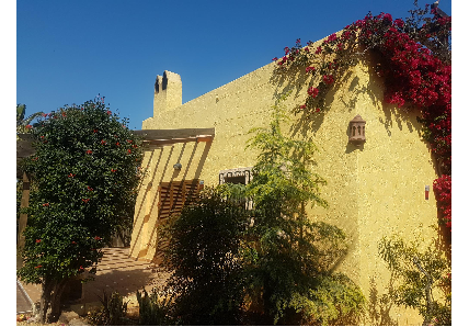 Chalet en Camino camino de la ribina- edificio rosa del desierto