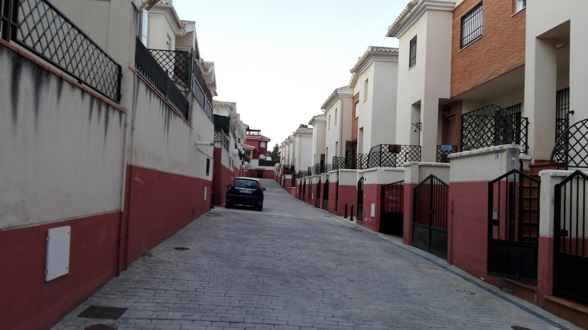 Chalet adosado en Calle Muntasil - Los Llanos