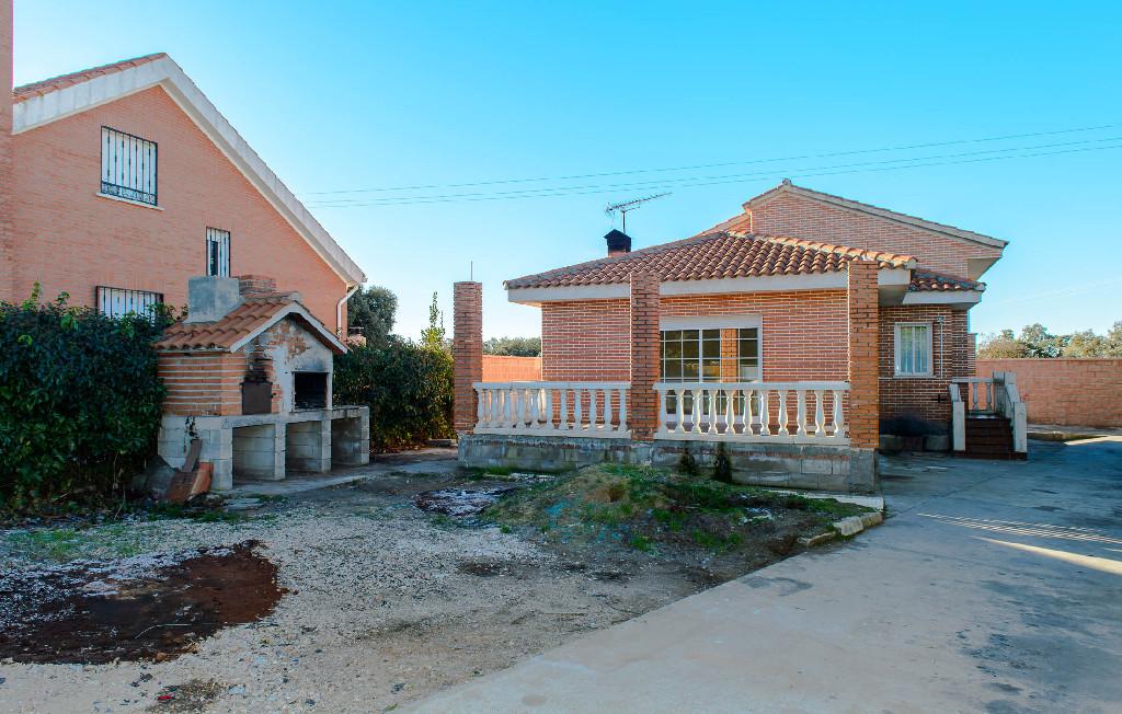 Casa en Calle LOS FRESNOS