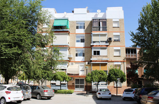 Apartamento en Calle Zuheros