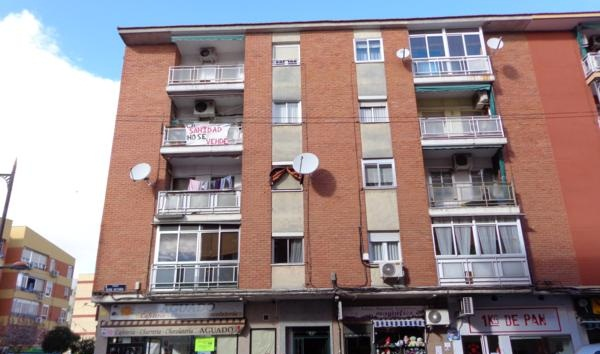 Apartamento en Calle REINA VICTORIA