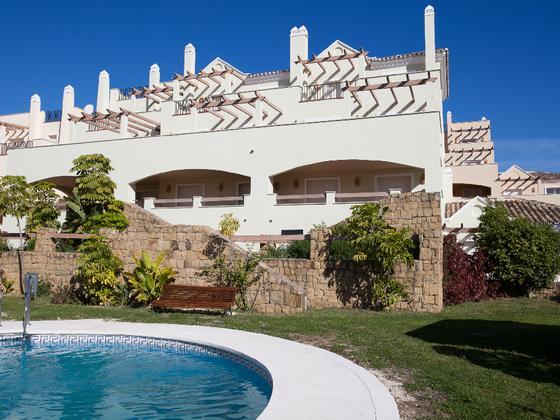Apartamento en alquiler  en Urbanización ALOHA ROYAL, Marbella