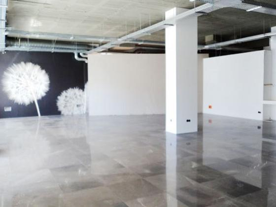 Local en venta  en Urbanización Cancela de la Quinta, Marbella