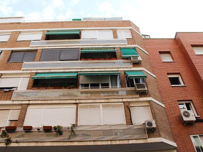 Local en venta  en Calle ARDEMANS , Madrid Capital
