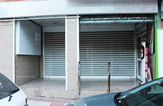 Local en venta  en Calle LONGARES , Madrid Capital