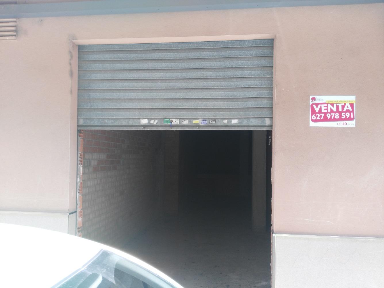 Local - 1ª línea comercial en Calle Rio Turia