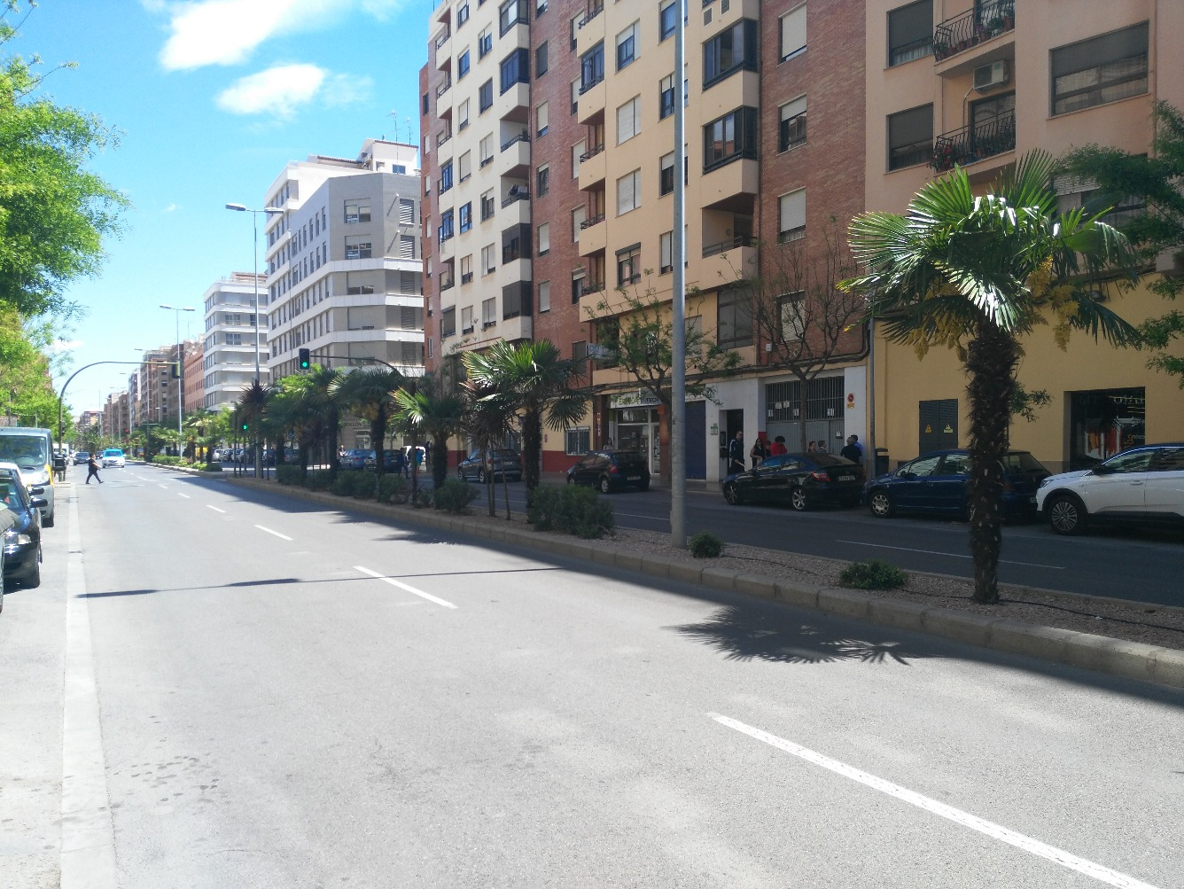 Local - 1ª línea comercial en Avenida Avenida Valencia