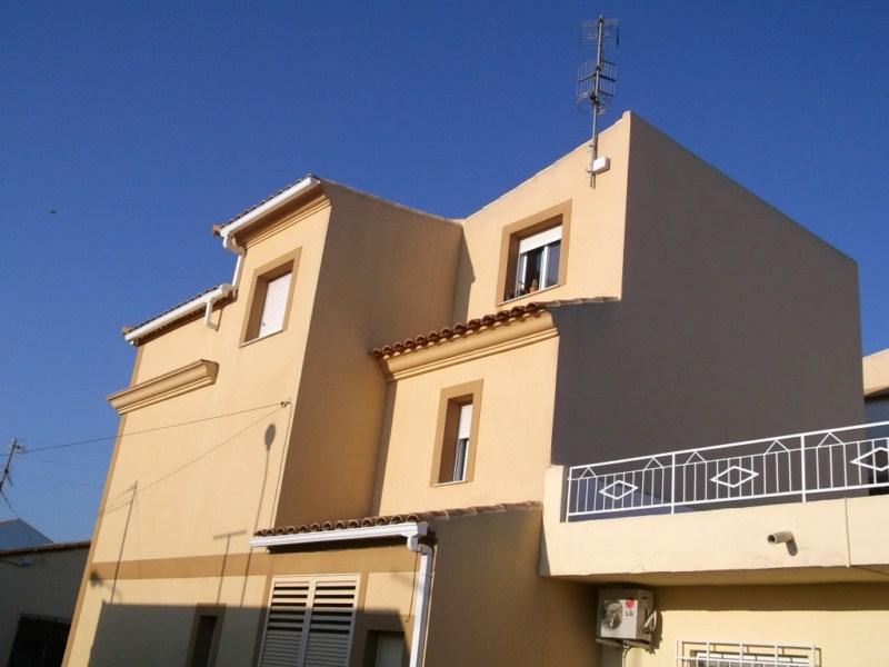 Chalet adosado en Calle Cortija