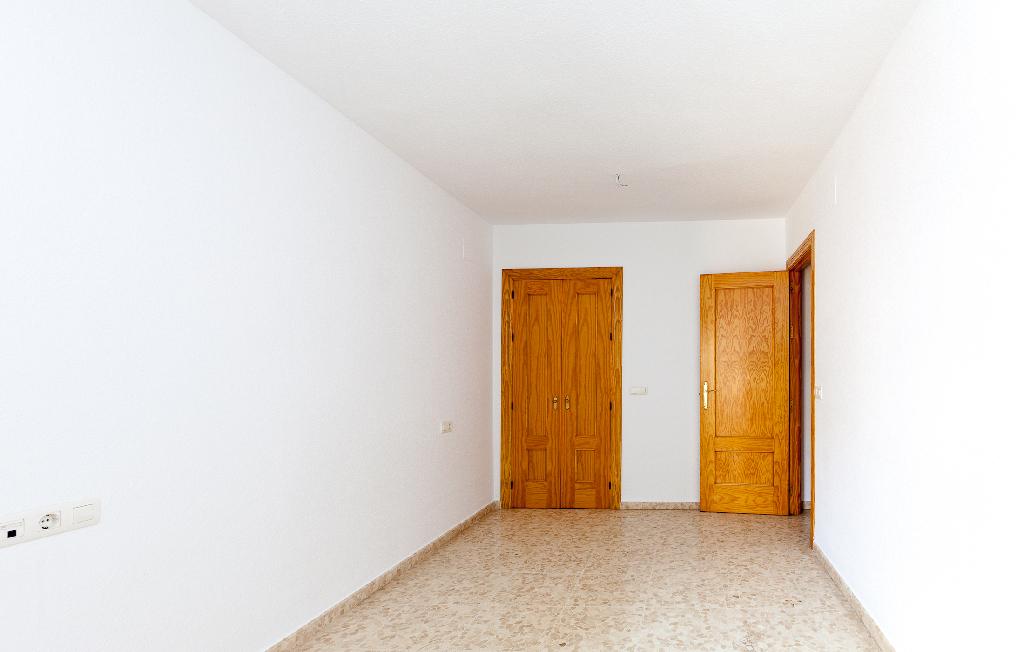 Apartamento en Calle Rafael Escuredo